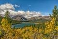 Картинка озеро, горы, деревья, облака, небо, осень