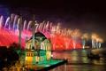 Картинка ночь, огни, праздник, лодка, салют, мечеть, фейерверк