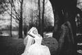 Картинка девушка, улыбка, черно-белое, невеста
