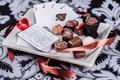 Картинка chocolate candy, tape, лента, cards, шоколадные конфеты, карты