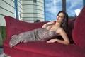 Картинка взгляд, диван, платье, брюнетка, Sunny Leone
