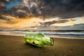 Картинка песок, море, пляж, рассвет, побережье, бутылка