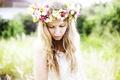 Картинка girl, dress, bokeh, lips, hair, crown of flowers