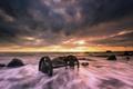 Картинка море, закат, колёса