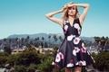 Картинка пейзаж, город, пальмы, модель, Голливуд, реклама, платье