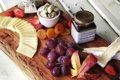 Картинка сыр, клубника, виноград, курага