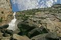 Картинка камни, деревья, фото, водопад, облака, гора