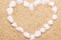 Картинка песок, море, пляж, сердце, камешки