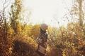 Картинка осень, листья, девушка, шапка, локоны