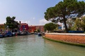 Картинка небо, деревья, лодка, дома, Италия, Венеция, канал