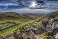 Картинка трава, тучи, камни, поля, простор, Великобритания, лучи солнца